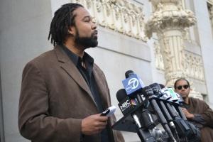 Jason-Shake-Anderson-speaks-to-press